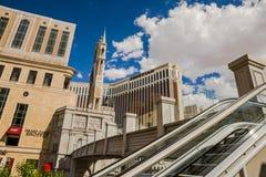Die venetianische Hotel- und Kasinoansicht von den Rolltreppen Stockfotos
