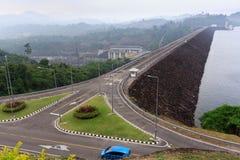 Die Verdammung und das Kraftwerk Stockfoto