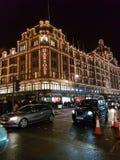 Die verkehrsreichen Straßen von London lizenzfreie stockbilder