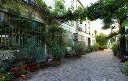 Die verlorene geheime Figuier-Straße im Bastillebezirk von Paris stockfotos