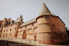 Die verstärkte Basilika und das Schloss von Albi in Frankreich Stockbilder