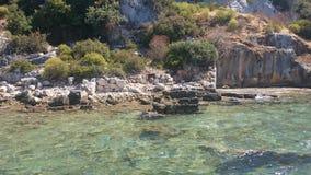Die versunkenen Ruinen auf der Insel von Kekova Dolichiste der alten Lycian-Stadt von altem Simena, wurden durch ein Erdbeben zer lizenzfreies stockfoto
