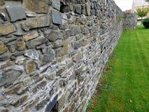 Die Verteidigungswand war schaffen durch Steine Lizenzfreies Stockbild