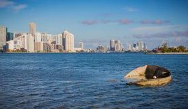 Die Verwüstungen des Hurrikans Irma sind noch auf der Miami-Küstenlinie offensichtlich stockbilder