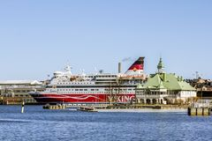 Die Viking-Linie Fähre vom Pier im Hafen von Helsinki FI Stockfotos