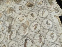 Die Vogel-Mosaik-Villa Lizenzfreie Stockbilder
