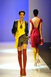 Die vorbildliche Präsentation entwirft von Alldressedup bei Audi Fashion Festival 2011 Stockfotografie