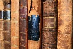Die Wärme der antiken Bücher Stockfoto