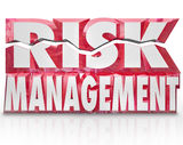 Die Wörter des Risikomanagement-3d, die Gefahr verringern, setzen Haftung herab Stockfoto
