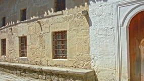Die Wand eines alten Hauses stock footage