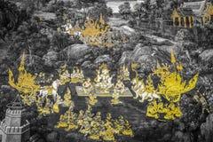 Die Wandmalereien Ramakien Ramayana entlang den Galerien des Tempels Emerald Buddhas, des gro?artigen Palastes oder des wat phra  stockfotos