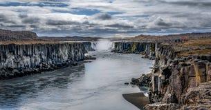 Die Wasserfälle des Landes des Eises und des Feuers!! Lizenzfreie Stockfotografie