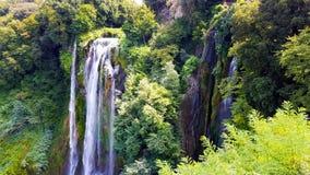 Die Wasserfälle von Marmore Italien lizenzfreie stockfotos