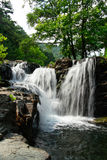 Die Wasserfallhöhle schön Lizenzfreies Stockbild