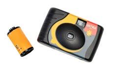 Die wegwerfbare Kamera und der Film Stockfotos