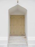 Die weiße Tür am Marmortempel, Bangkok Thailand Lizenzfreie Stockfotografie