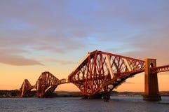 Die weiter Schienen-Brücke Stockfotos