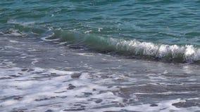 Die Wellen gerollt stock footage