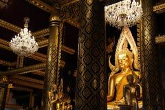Die Welt die meiste schöne goldene Buddha-Statue stockfoto