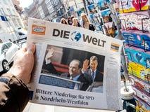 Die Welt som anmäler nolla för invigning för överlåtelseceremoni presidents- Fotografering för Bildbyråer