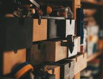 Die Werkzeuge in der Werkstatt Stockbild