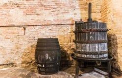 Die Werkzeuge, zum des edlen Weins von Montepulciano zu tun Stockbild