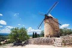 Die Windmühle lizenzfreie stockbilder