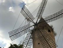 Die Windmühle an Industria-Straße Mallorca stockfotos