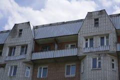 Die Wohnung mit zwei Geschossen von den verschiedenen Farben Stockbilder