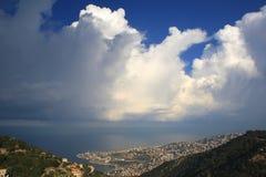 Die Wolken über dem Meer Lizenzfreie Stockfotos