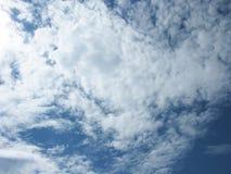 Die Wolken im Himmel Stockfotografie