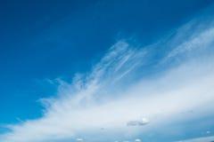 Die Wolken und der Himmel Stockbilder