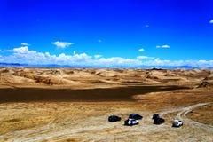 Die Yadan-Landforms und die Wüstenlandschaft in der tibetanischen Hochebene Lizenzfreie Stockfotografie