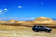 Die Yadan-Landforms und die Wüstenlandschaft in der tibetanischen Hochebene Stockfoto