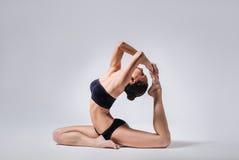 Die Yogafrau Lizenzfreie Stockfotos