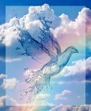 Die Zahl einer Taube aus dem Wasser gegen den Hintergrund eines Regenbogenhimmels und -wolken heraus stockfoto
