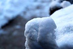 Die Zahl geschaffen durch fallenden Schnee und Wind Stockbild