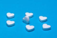 Die Zahlen von Pillen auf dem Hintergrund lizenzfreies stockfoto