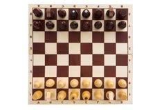 Die Zahlen werden auf das Schachbrett vor Beginn gesetzt Lizenzfreies Stockfoto