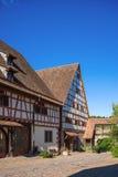 Die Zehnt-Scheune mit Fruchtkasten in Dornstetten stockfotografie