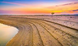 Die Zeit des Strandes in der Dämmerung Stockbild