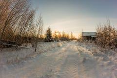 Die zentrale Straße von verlassenen Dörfern Lizenzfreie Stockfotos