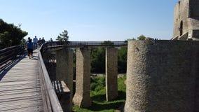 Die Zugangsbrücke in einer Festung Stockfotos