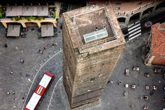 Die zwei Türme im Bologna lizenzfreies stockfoto