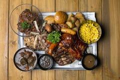Die zweimal gekochten Schweinefleisch-Rippen und die Grilllieblinge mögen das Gras f Stockbild