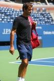 Diecinueve campeones Roger Federer del Grand Slam de las épocas de Suiza practican para el US Open 2017 imagen de archivo libre de regalías