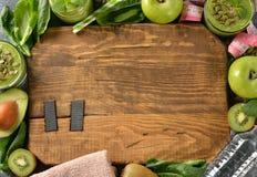 Dieet groene smoothies royalty-vrije stock afbeeldingen