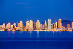 Diego-Skyline in der Dämmerung Lizenzfreies Stockbild