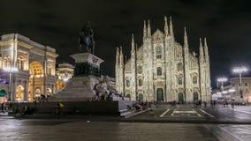 Dien Milano för duomoen för Milan Cathedral natttimelapse är den gotiska domkyrkakyrkan av Milan, Italien stock video