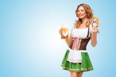 Dienen bei Oktoberfest Lizenzfreies Stockbild